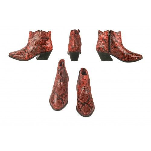Cowboy boots with snake...