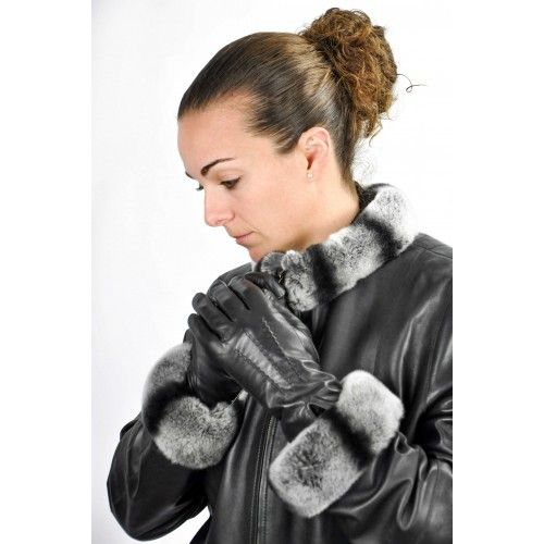 Classic black leather gloves for women Zerimar - 1