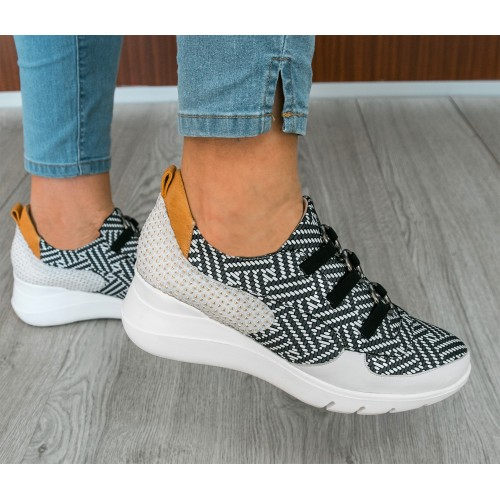 Women's sneakers with...